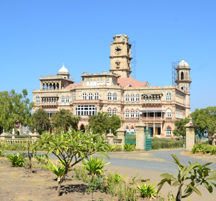 Wankaner Fort; through closed gates
